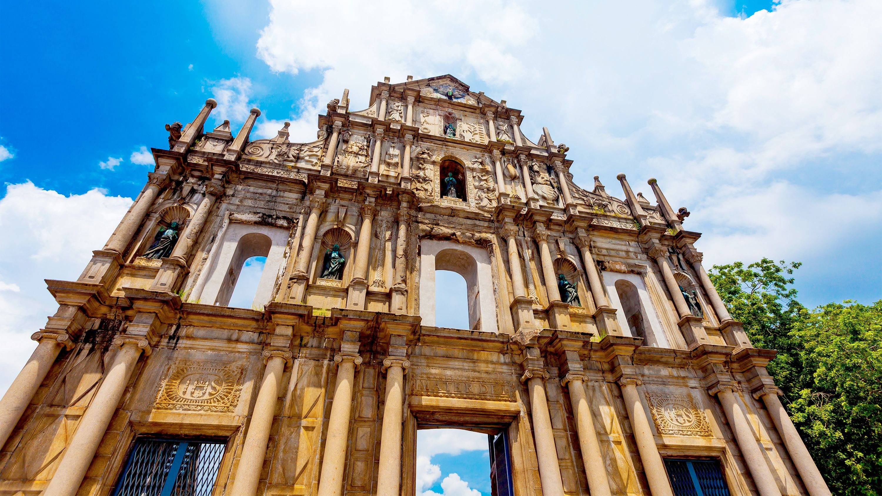 Day Tour of Macau's Historic Landmarks with Ferry from Hong Kong