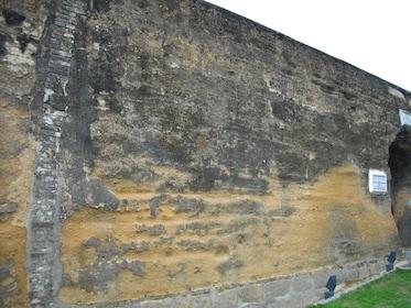 Old_Macau_City_Walls_01.JPG