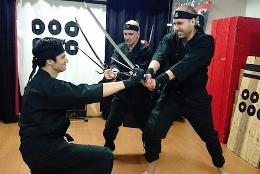 正在顯示第 3 張相片,共 9 張。 Ninja & Samurai Sword-Fighting Experience in Osaka