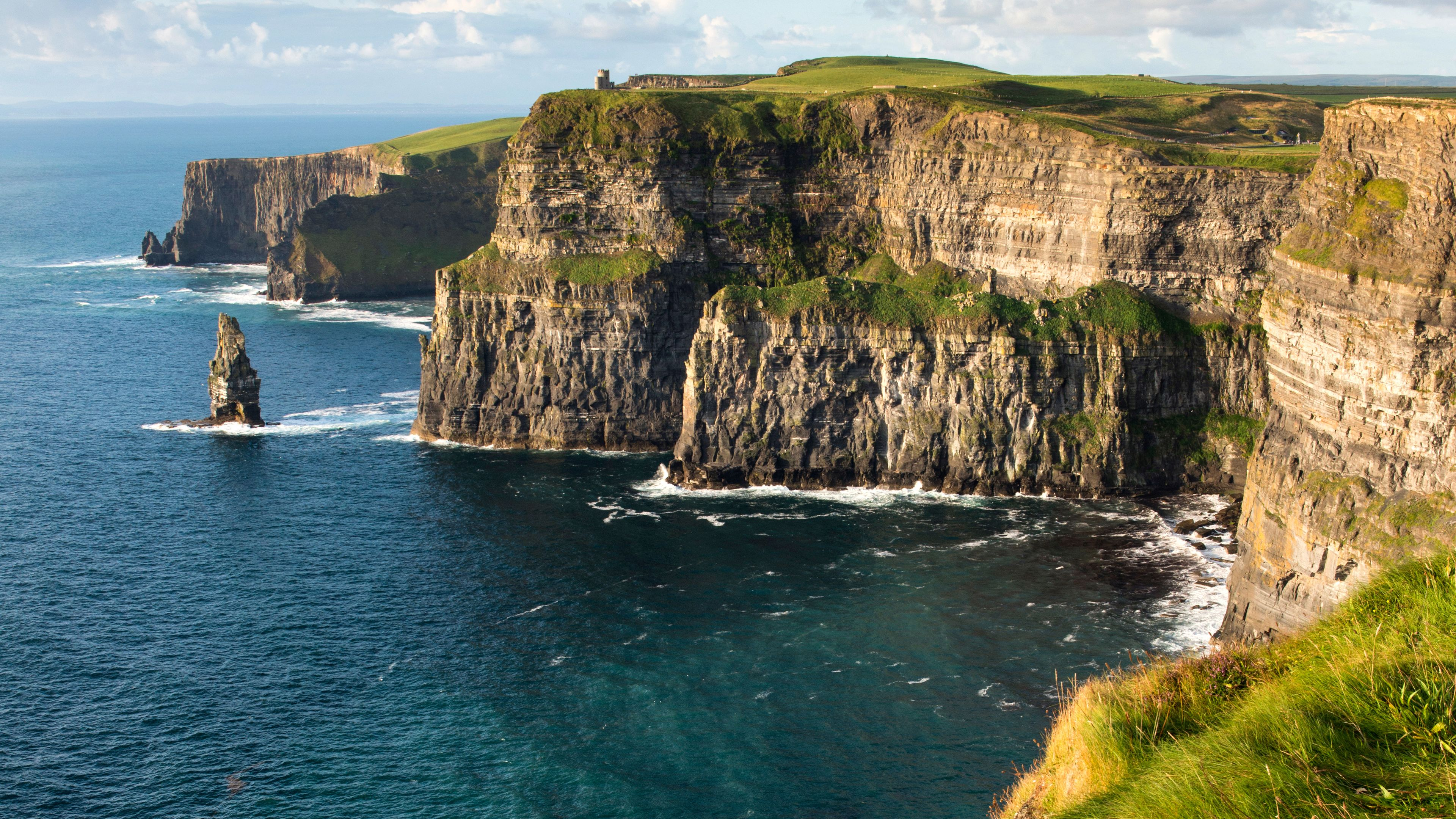 Cliffs of Moher & Wild Atlantic Way Tour from Galway City