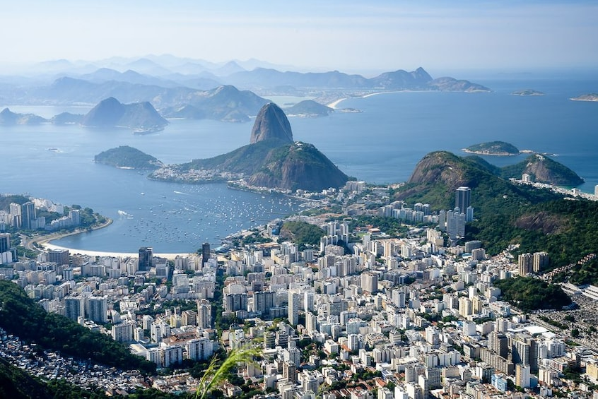 Charger l'élément 2 sur 10. Full Day in Rio - Corcovado, Sugar Loaf & City Tour with BBQ