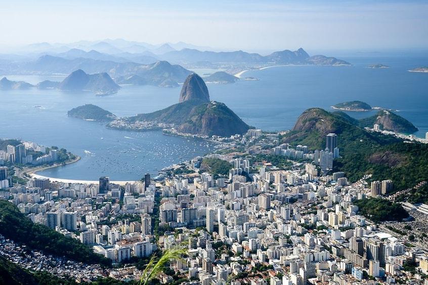 Carregar foto 2 de 10. Full Day in Rio - Corcovado, Sugar Loaf & City Tour with BBQ