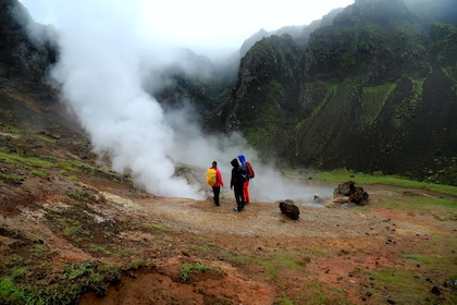Small-Group Guided Hot Springs Valley Hike