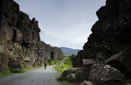 thingvellir-between-plats-at-thingvellir-national-park-in-iceland.JPG