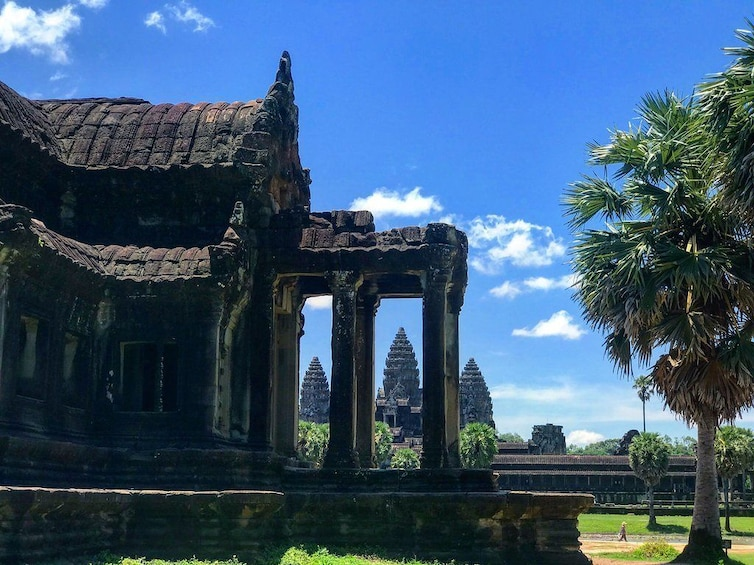 Show item 5 of 12. Full-Day Tour of Temples at Angkor Wat & Angkor Thom