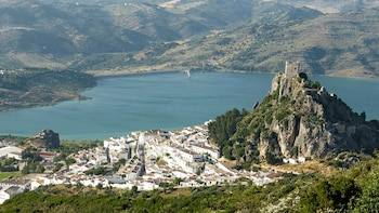 Private Tour to The White Towns of Andalusia from Cádiz