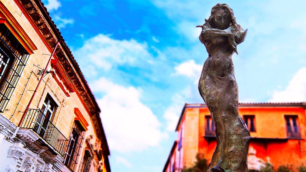 Foto 2 van 4. Statue in Cadiz