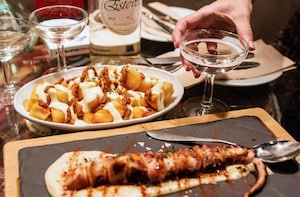 Führung durch Barcelona in kleiner Gruppe mit Tapas und Weinverkostung