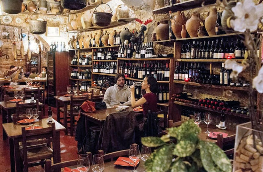 Foto 4 von 6 laden Small-Group: Tapas & Wine Tour Experience in Barcelona