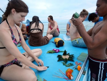 John Gray's Hong by Starlight with Sea Kayaking & Loy Krathong Floating