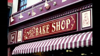 New Jersey & Carlo's Bake Shop Tour