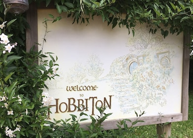 Welcome to Hobbiton sign.JPG
