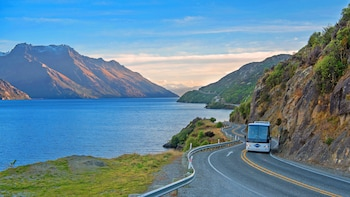 Full-Day Milford Sound Tour with Boutique Cruise & Scenic Flight