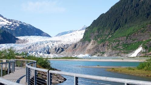 Glacier Tour by Motorcoach in Alaska