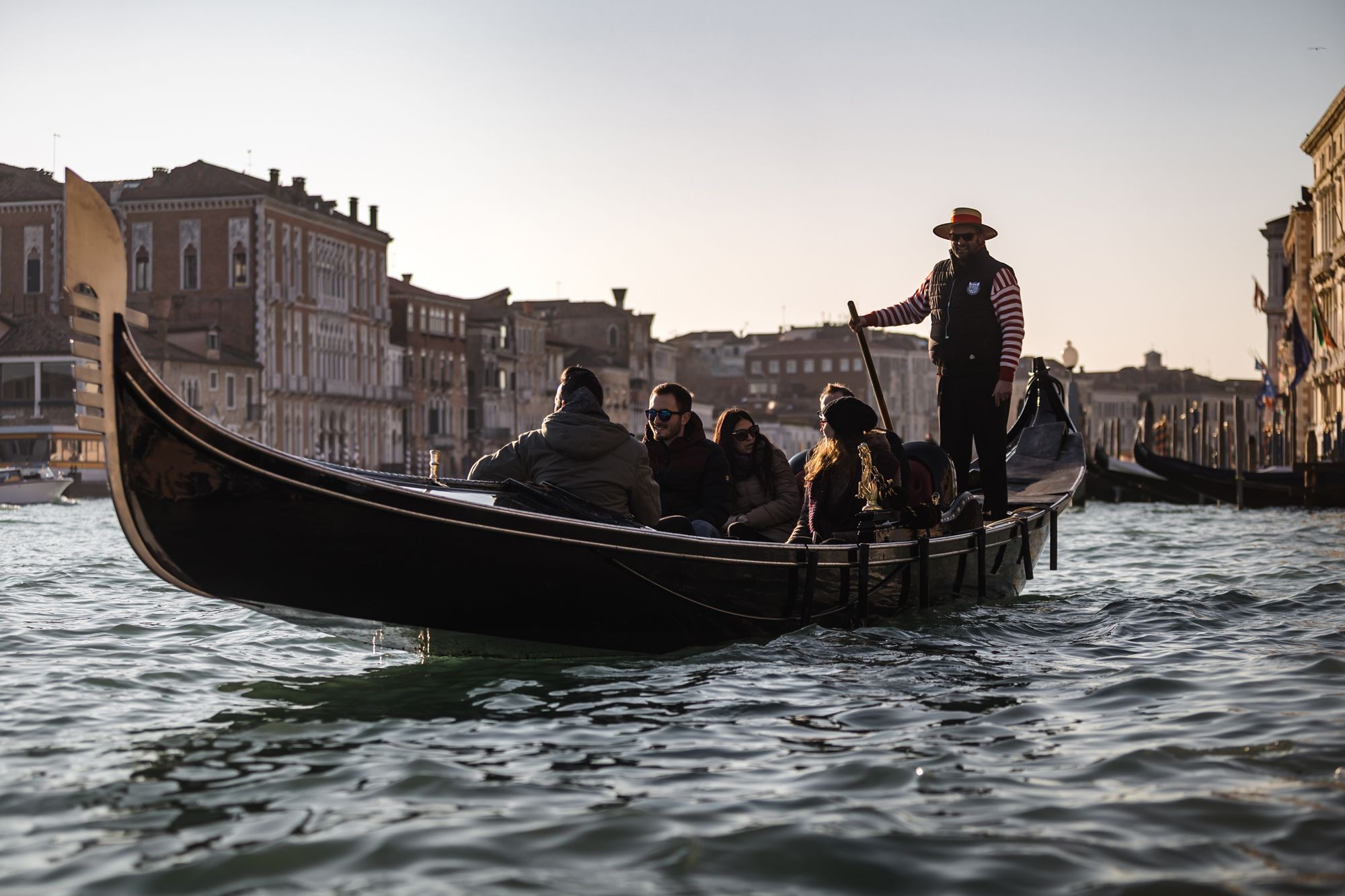 Combo Tour: Walking Tour of Venice & Gondola Ride