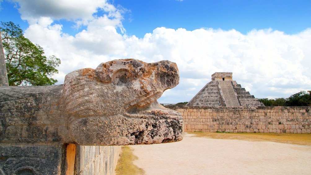 Show item 2 of 10. El Castillo, Chichen Itza