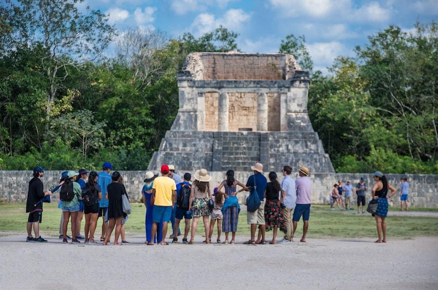 Charger l'élément 5 sur 10. Chichén Itzá, Cenote, Buffet & Tequila Tasting All inclusive
