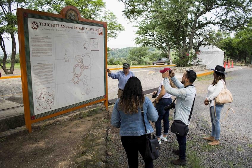 Cargar foto 3 de 7. Guachimontones Private Guided Tour