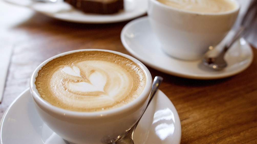 Carregar foto 4 de 5. Coffee Tasting tour in Bogota