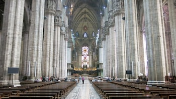 City Walking Tour with Skip-the-Line Access to The Last Supper & the Duomo