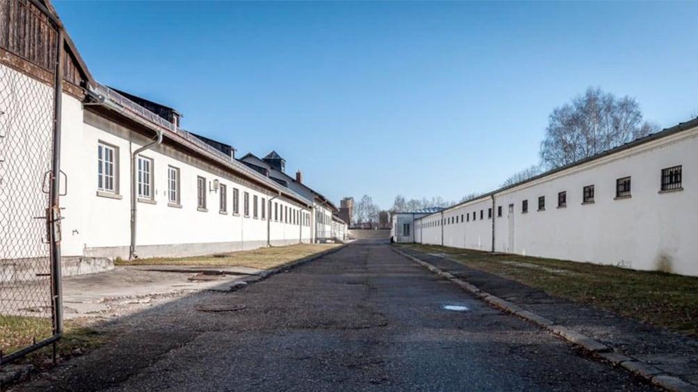 Foto 5 von 5 laden Dachau Memorial Site Tour in Munich