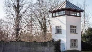 Visita guiada al monumento conmemorativo del campo de concentración de Dach...