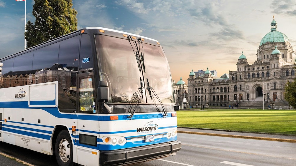 Carregar foto 1 de 2. GT Shared Coach: Downtown Victoria - Downtown Vancouver