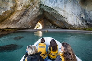 Coromandel Cathedral Cove Land & Boat Tour(Private Vehicle)