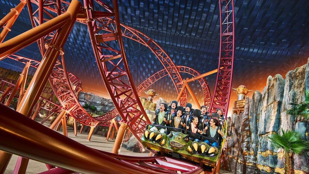Apri foto 5 di 5. Intense rollercoaster in IMG Worlds of Adventure