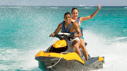 Couple on the waverunner Tour in Cancun