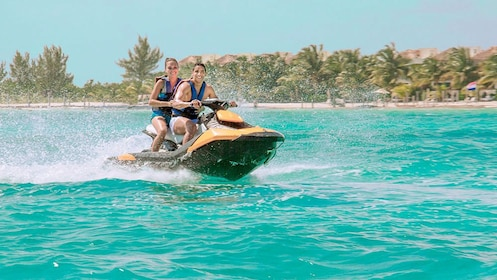 Sunny day on the waverunner Tour in Cancun