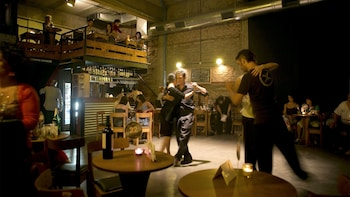 Milonga Evening Tour with Tango Lesson