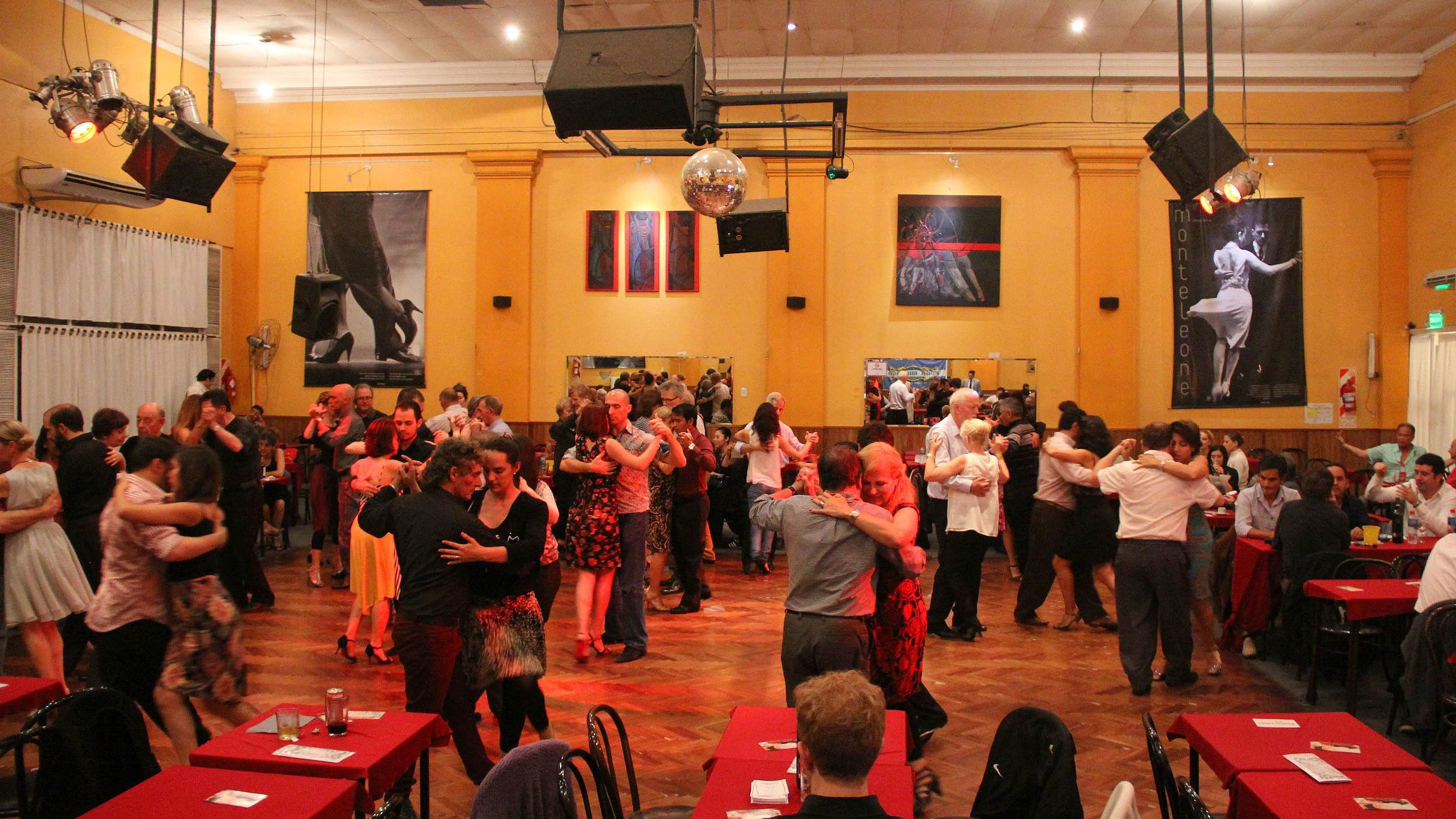 Couples dancing the Tango