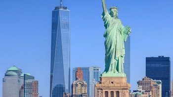 Small Group Luxury Bus Tour and New York Harbour Cruise