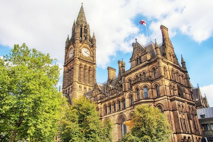 Manchester-Town-Hall.jpg