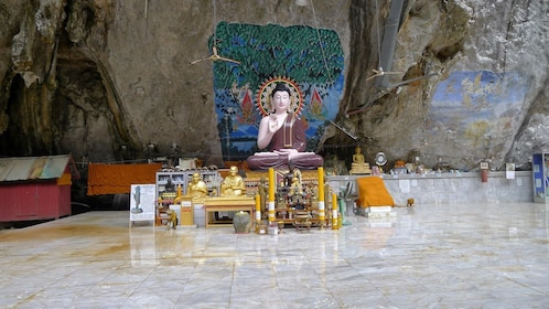 Full-Day Tour to Tiger Cave Temple, Emerald Pool & Krabi Hot Springs