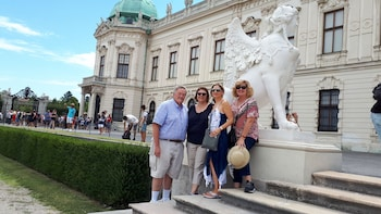 Tour of Vienna Belvedere Palace with a Local Historian