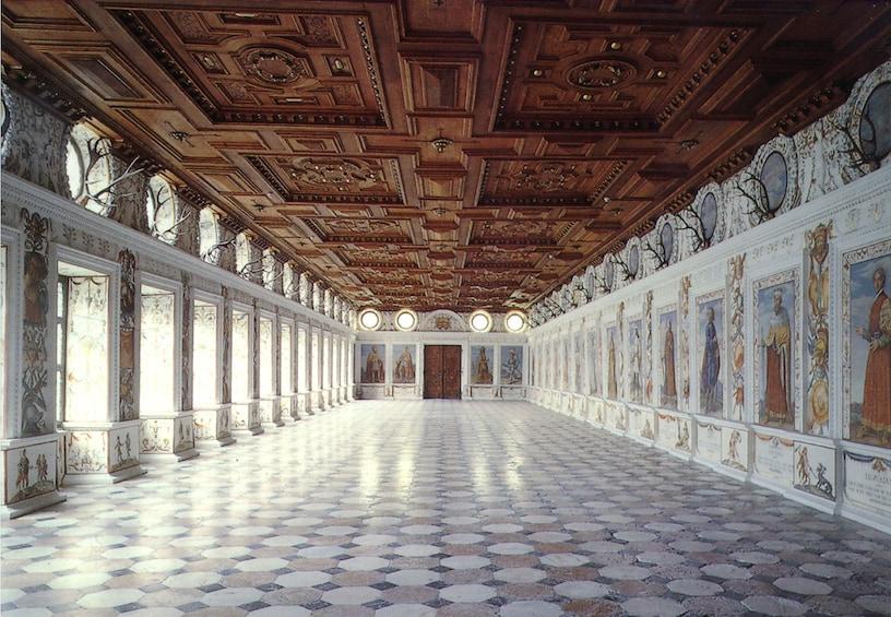 Ver elemento 2 de 6. Admission to Ambras Castle Innsbruck