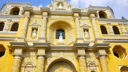 Exterior of yellow building in Guatemala City