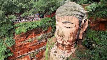 Private Exploration of Majestic Leshan Giant Buddha with Lunch