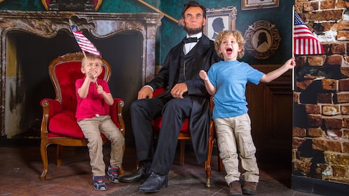 Kids with Abraham Lincoln at Madam Tussauds in Orlando