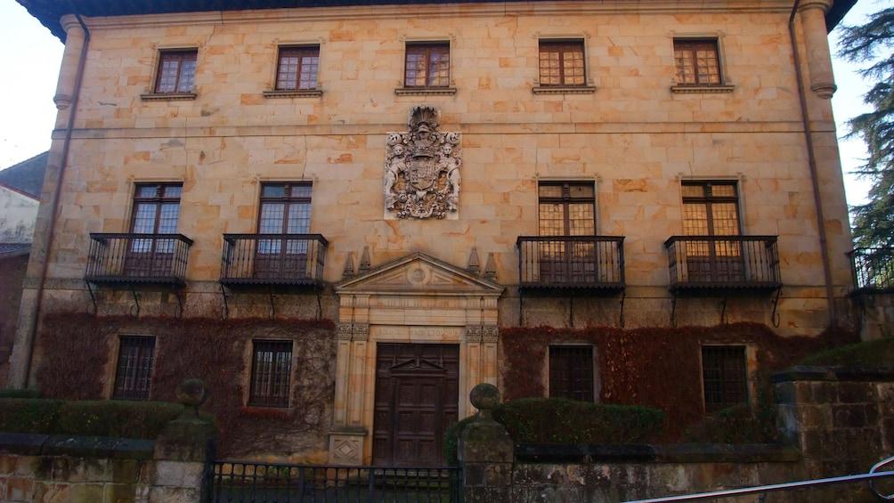 Show item 4 of 5. Palacio Jara Elorrio
