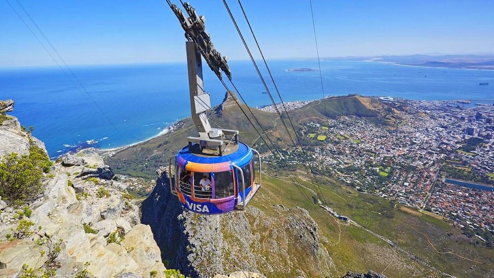 Cargar foto 4 de 10. Gondola in Cape Town