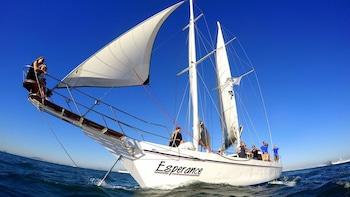 Foto 2 van 10. Sail boat