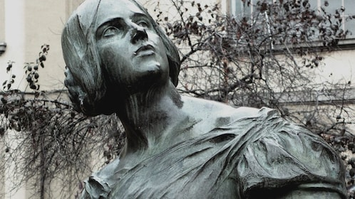 Statue of woman in Madrid