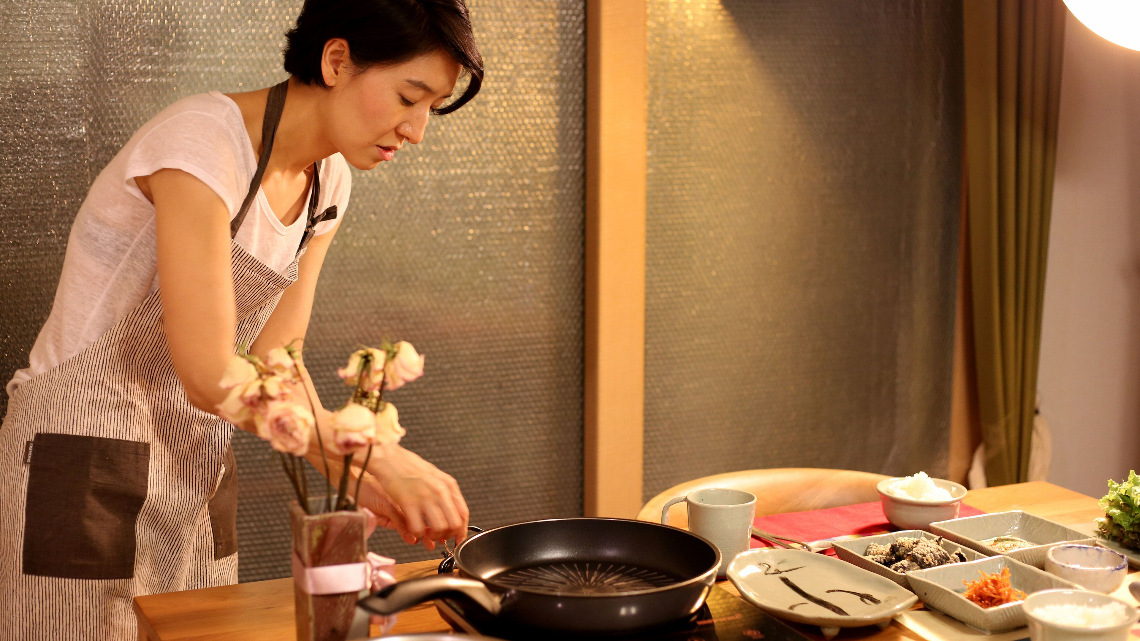 Woman in a cooking class in Seoul