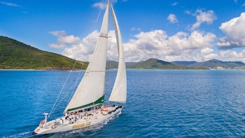 3-Day Sailing & Snorkelling Adventure on an 82-Foot Racing Yacht