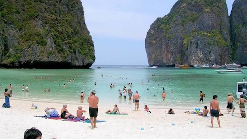 Guests enjoying Phi Phi Island