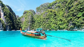 Speedboat Adventure to Phi Phi Islands & Bamboo Island