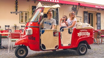 Private Tuk-Tuk Tour with Cheese & Wine Tasting